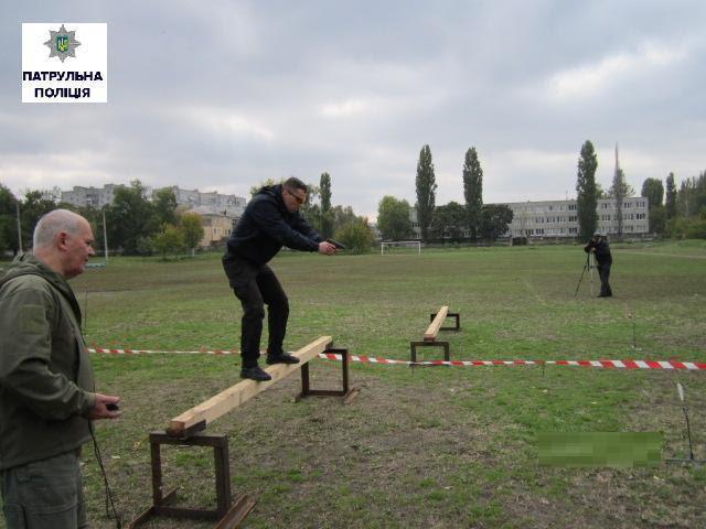 Миколаївські патрульні змагалися у стресовій стрільбі