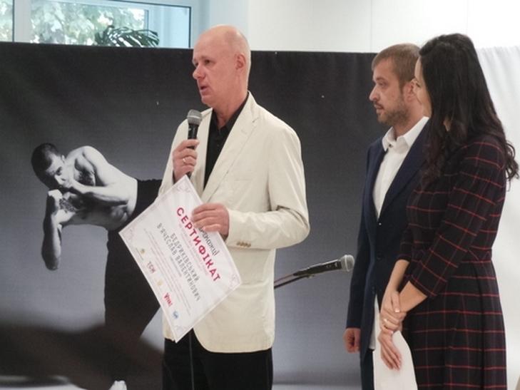 """У Хмельницькому відкрилась емоційно важка і мега-мотиваційна виставка """"Переможці"""" - фото 3"""