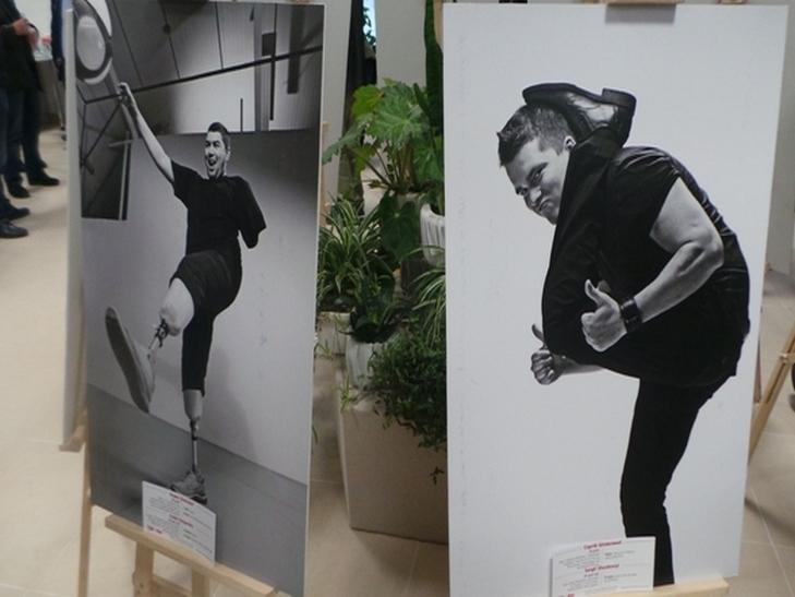 """У Хмельницькому відкрилась емоційно важка і мега-мотиваційна виставка """"Переможці"""" - фото 2"""