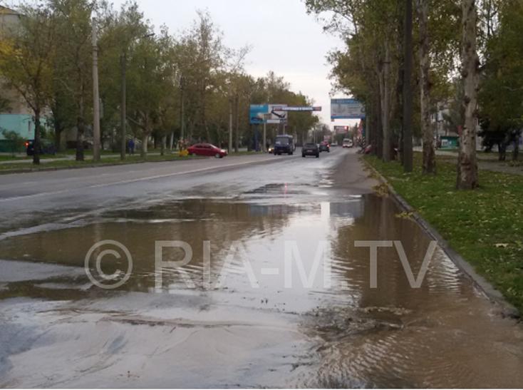 У Мелітополі сталася масштабна аварія на водоводі – середмістя залишать без води - фото 1