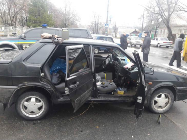 Збройне пограбування на Полтавщині: зловмисників затримали по гарячим слідам - фото 1