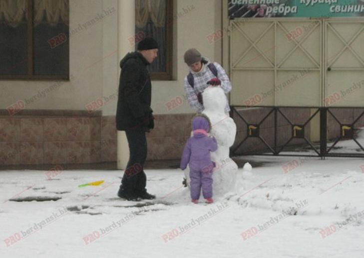 Парад сніговиків у Бердянську - фото 10