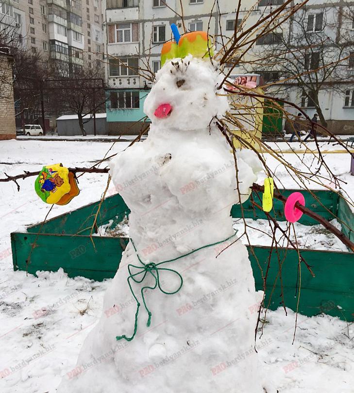 Парад сніговиків у Бердянську - фото 3
