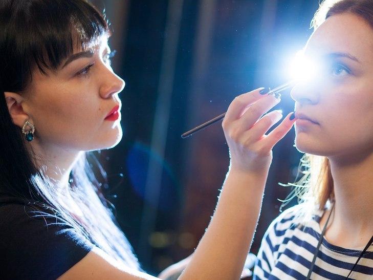 Який макіяж стане трендом у 2017 та зробить вас неймовірною у новорічну ніч - фото 1