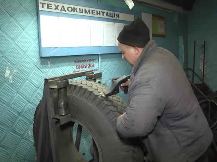 Тролейбуси в Хмельницькому підготували до зими - фото 3