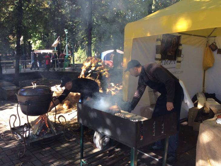 У Хмельницькому розпочався фестиваль вуличної їжі - фото 1