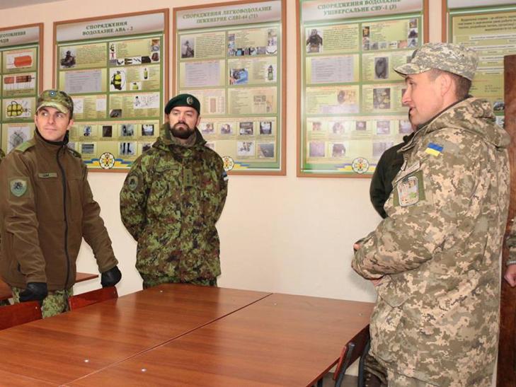 Естонські сапери переймали досвід роботи українських колег в Кам'янці - фото 3