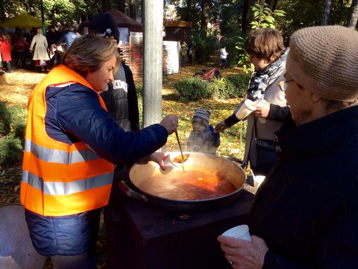 У Хмельницькому вперше відбувся фестиваль вуличної їжі - фото 8