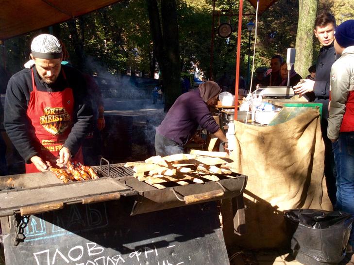 У Хмельницькому вперше відбувся фестиваль вуличної їжі - фото 13