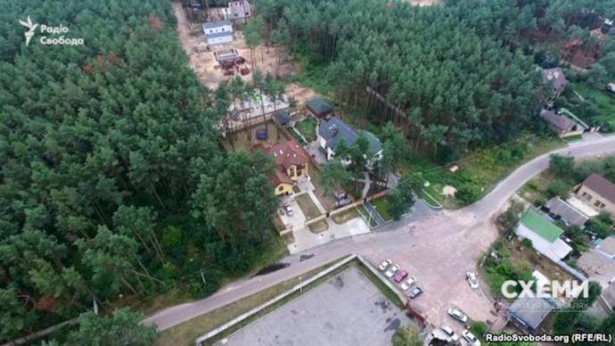 """Луценку """"на олівець"""": Журналісти знайшли у чиновника ГПУ приховану """"хатинку"""" - фото 2"""