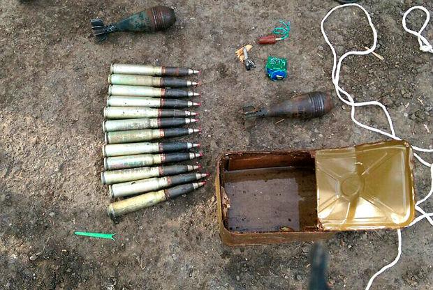 Харківські гвардійці виявили сховок боєприпасів у Ясинуватій (ФОТО) - фото 3