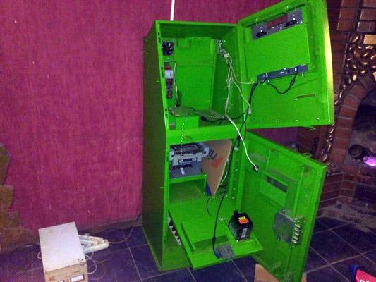 На Харківщині закрили салон гральних автоматів - фото 2