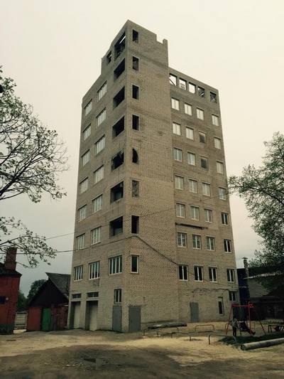 У Харкові суд змусив підприємця знести дев'ятиповерховий