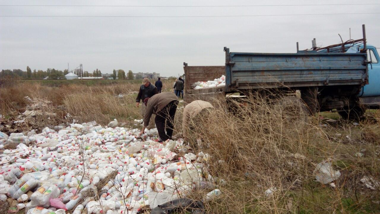 Прокуратура з'ясує, хто вивалив тонни відходів на околиці Миколаєва