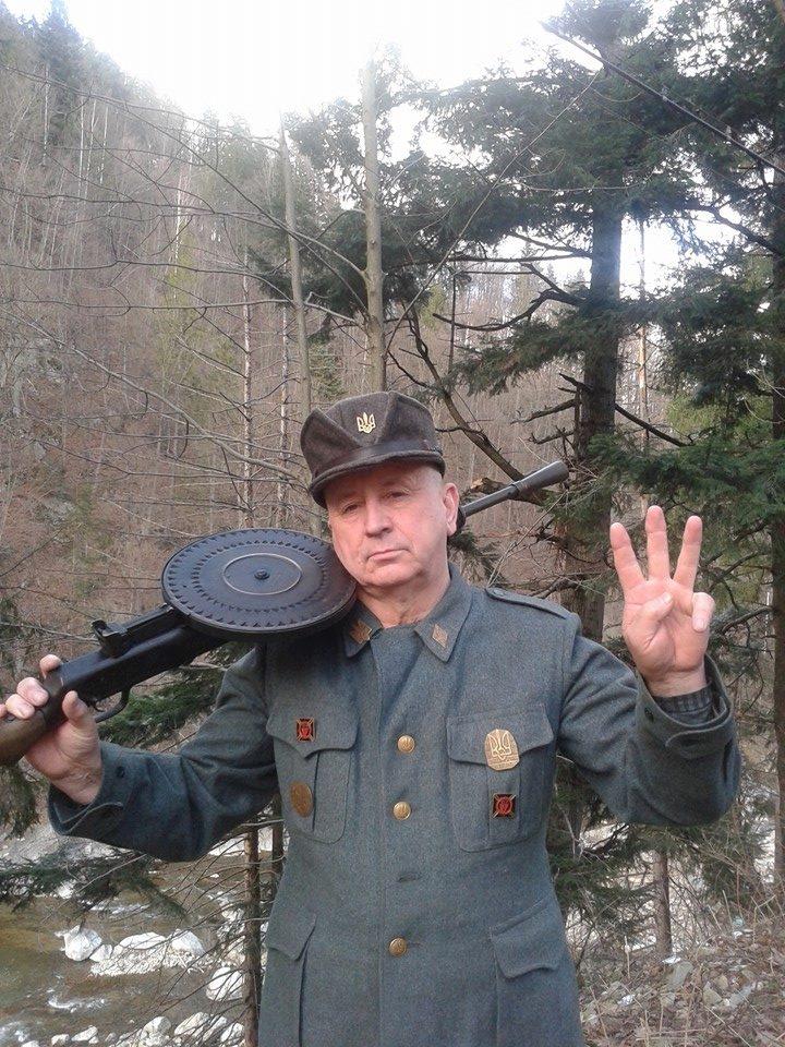 """Миколаївський """"свободівець"""" сипав ксенофобськими висловлюваннями та погрожував відрізати вуха активісту"""