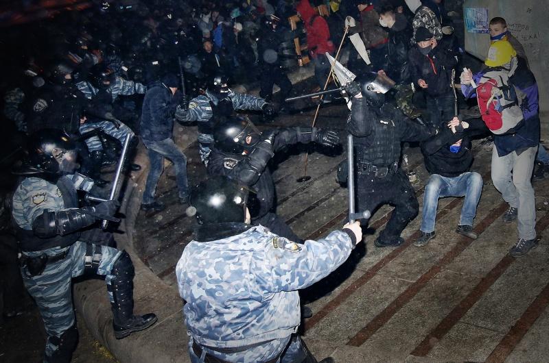 Ніч побиття: Про що шкодують боєць Беркуту, студент та бойовий патріот - фото 1
