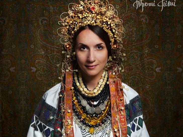 Народознавці показали, як одягалися вінницькі наречені сто років тому - фото 2