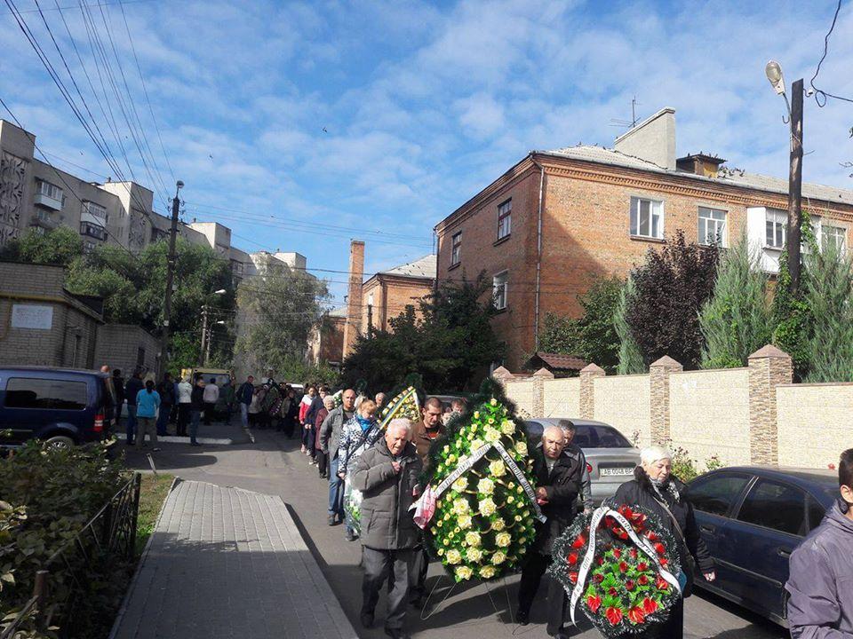 Вінничани попрощались із 25-річним снайпером, що загинув в АТО - фото 2