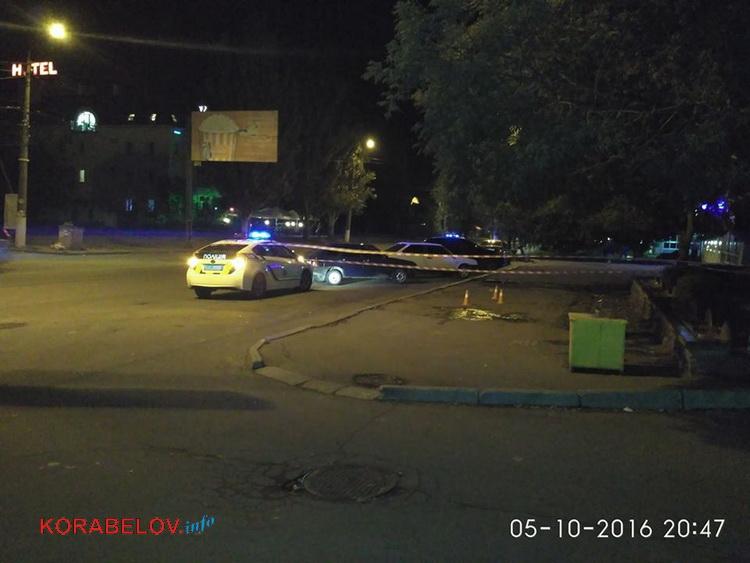 У Миколаєві невідомі вчинили стрілянину біля супермаркету: є постраждалі - фото 3