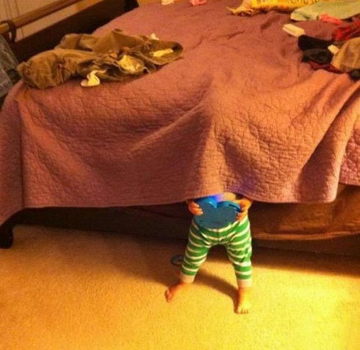 30 кумедних прикладів, як діти грають в хованки - фото 22