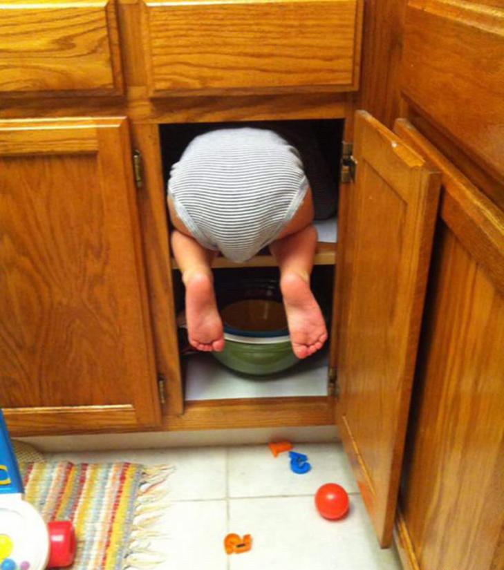 30 кумедних прикладів, як діти грають в хованки - фото 15