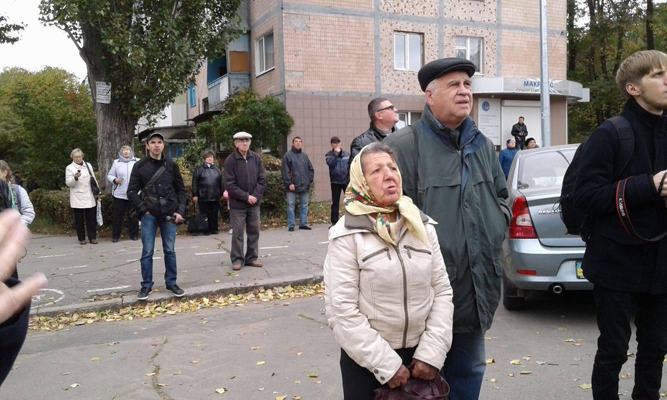 У Вінниці з постаменту зняли літак-пам'ятник - фото 3