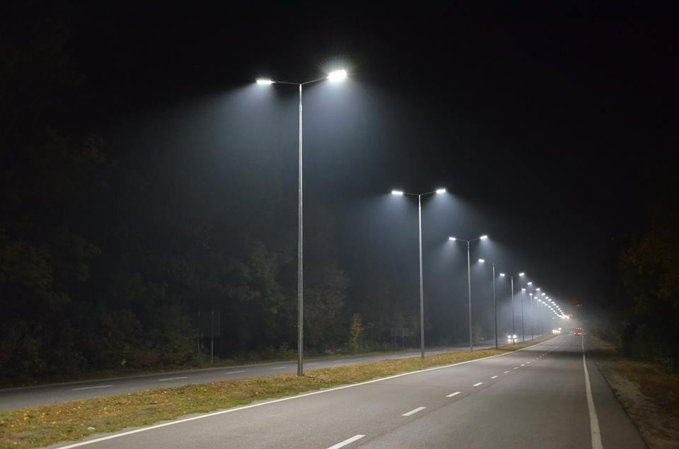 На виїзді з Вінниці встановили сотню нових ліхтарів  - фото 3