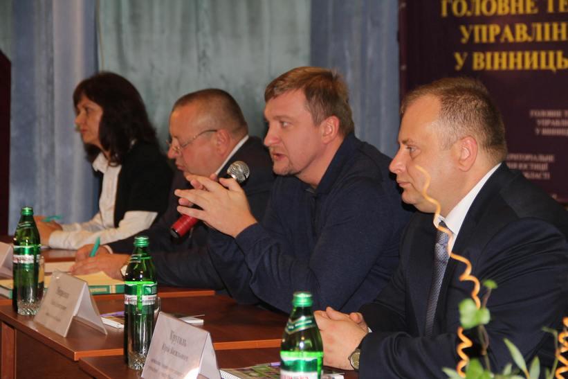 Міністр Петренко пожалівся вінницьким студентам на свою маленьку зарплату - фото 6