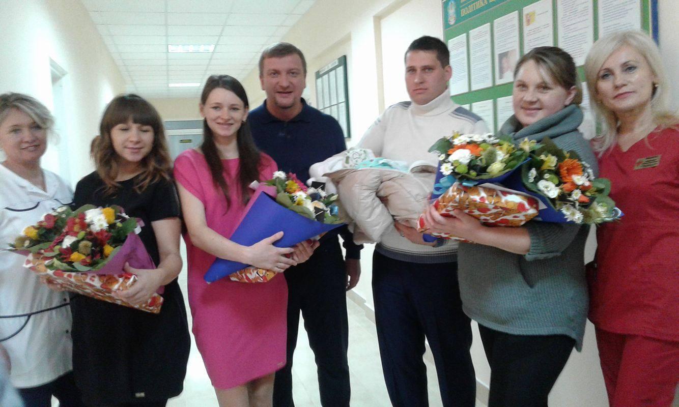 Українці повинні кохатися і народжувати, - міністр Петренко - фото 1