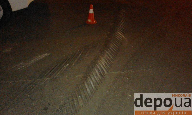 У центрі Миколаєва зіштовхнулись поліцейський Prius та легковик: є постраждалі