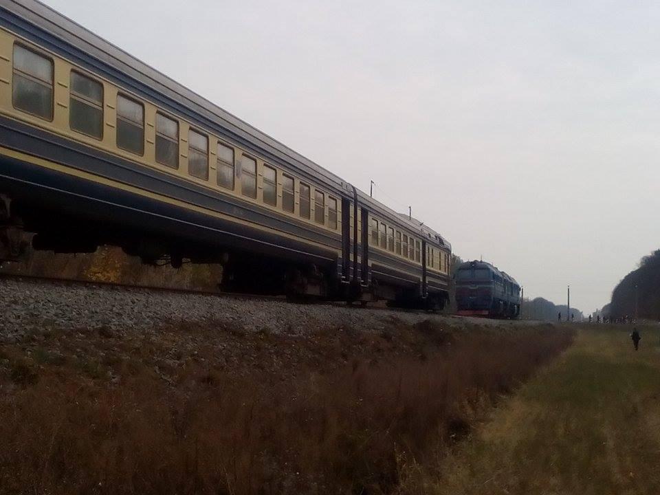 Вінницькі рятувальники розповідають подробиці смертельної аварії на залізниці - фото 3