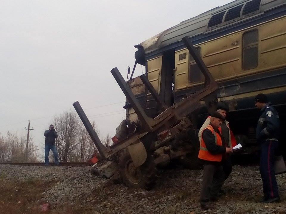 Вінницькі рятувальники розповідають подробиці смертельної аварії на залізниці - фото 1