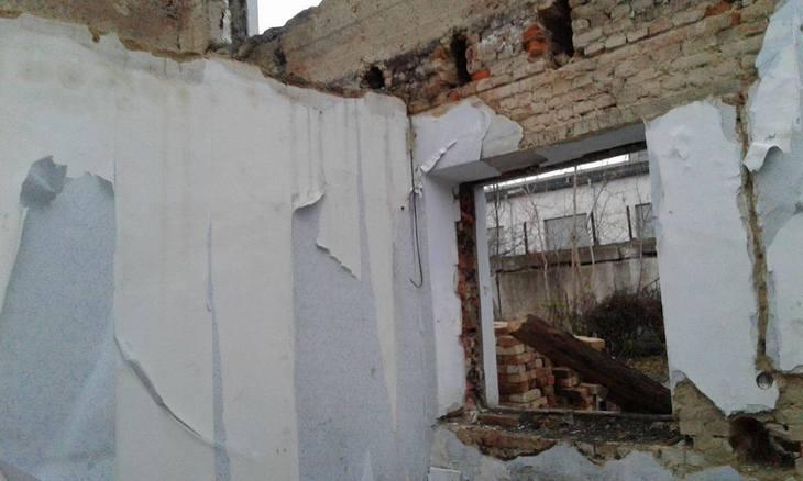 Барські погорільці вже й не сподіваються, що їхній будинок відновлять до зими  - фото 2