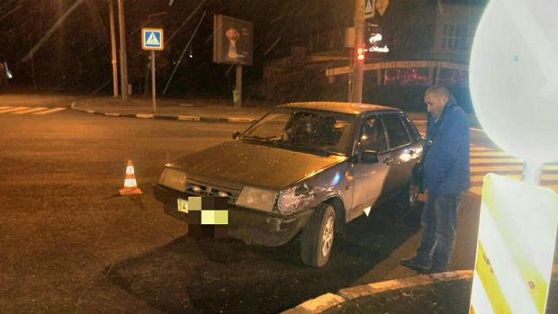 """У центрі Харкова п'яний водій """"Жигулів"""" протаранив автомобіль таксі (ФОТО) - фото 1"""