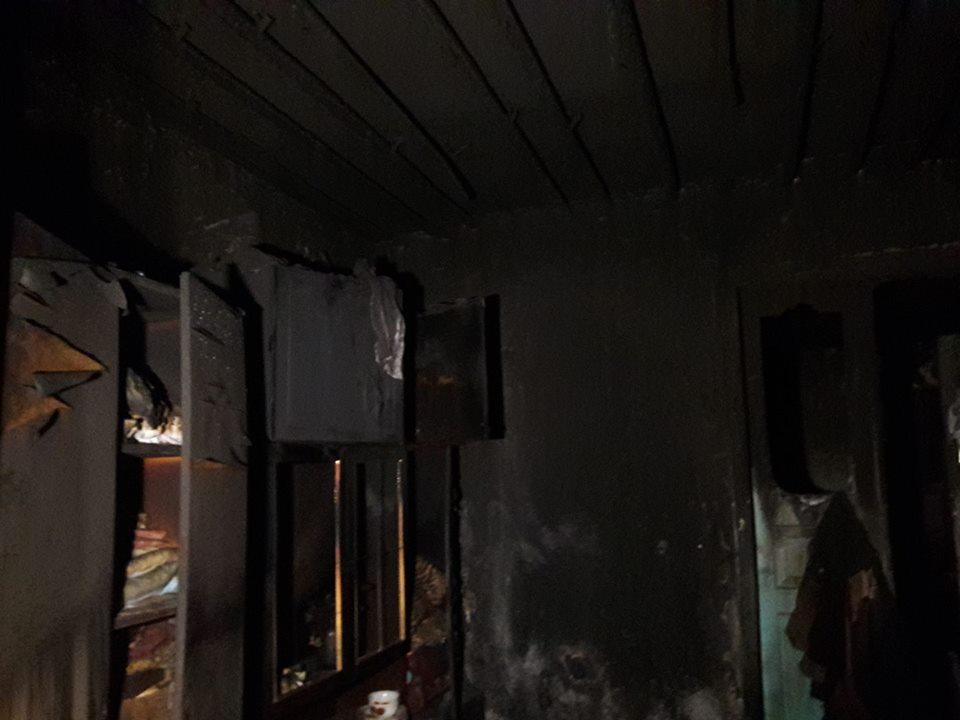 Багатодітна мама під час пожежі  втратила чоловіка, сина й свекруху і залишилась на вулиці з чотирма дітьми - фото 4