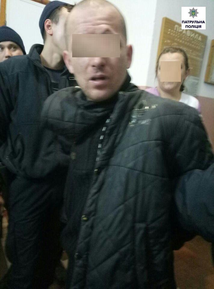 На пр. Богоявленському посеред вулиці знайшли п'яного чоловіка