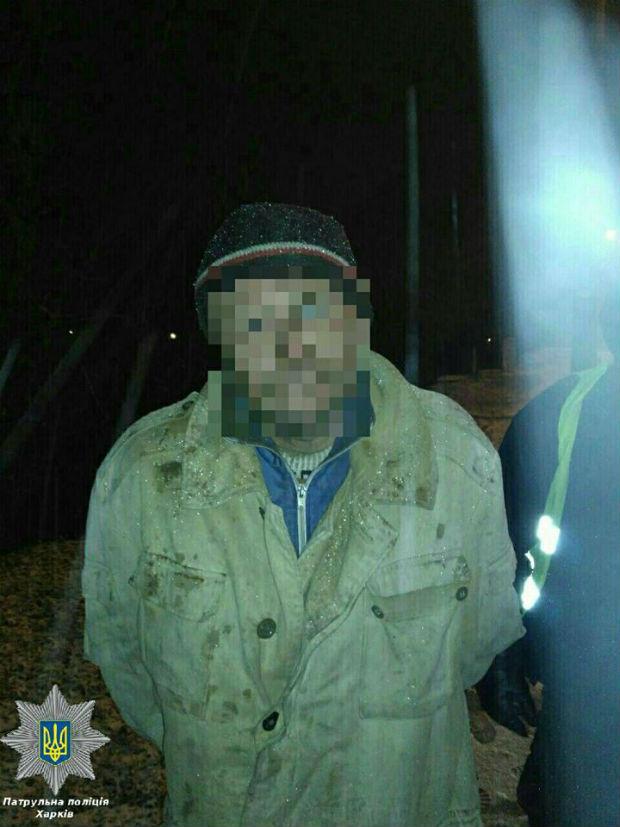 У Харкові тяга поліцейських до добрих вчинків допомогла затримати наркомана - фото 2