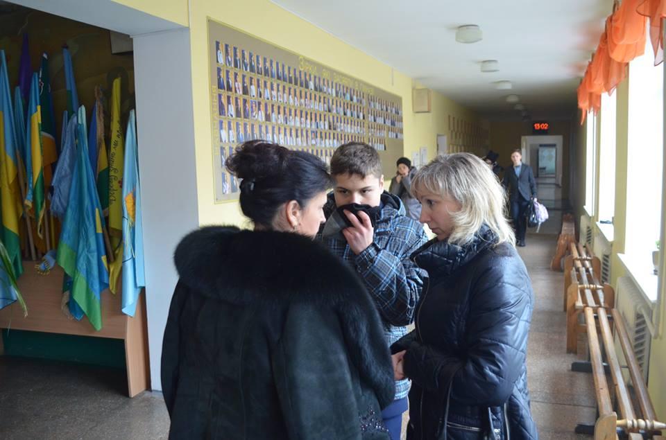 У Вінниці діти принесли школу сльозогінний газ і зірвали уроки - фото 5