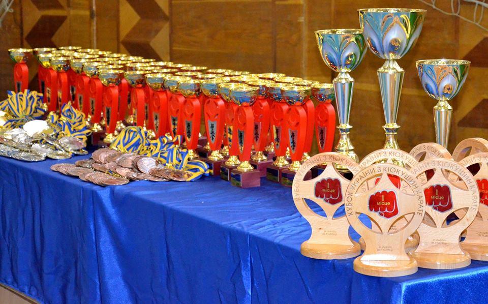 Миколаївські каратисти завоювали 30 медалей на Кубку України