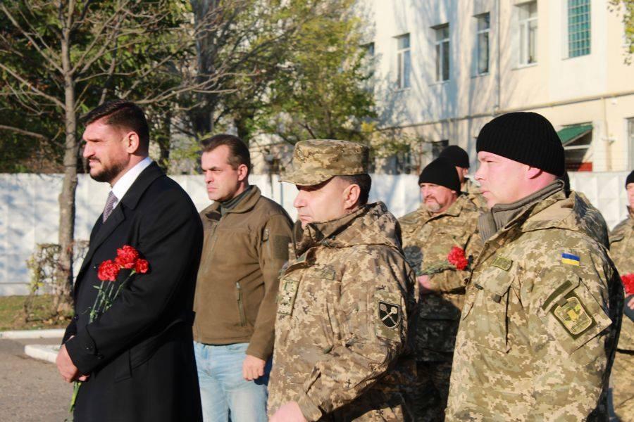 Полторак у Миколаєві обговорював питання будівництва житла для бійців
