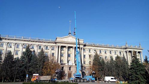 На будівлі Миколаївської міськради замінити радянську зірку на тризуб