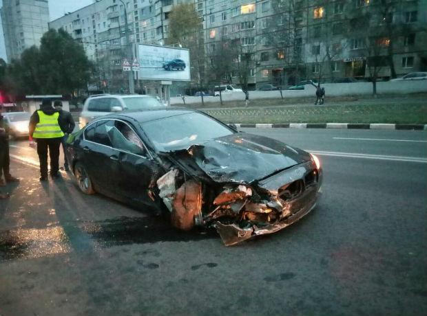 На Олексіївці лобове зіткнення іномарок: водія відвезли в лікарню (ФОТО) - фото 1
