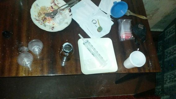 У миколаївця, що перебуває перед судом, знайшли нарколабораторію і зброю