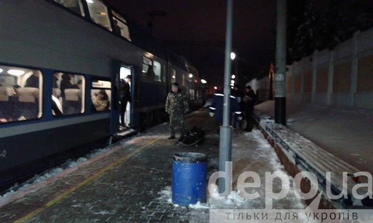 Тіло чоловіка, якого вбили в поїзді, повезли до вінницького моргу - фото 1