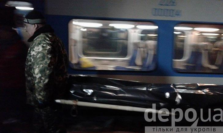 Тіло чоловіка, якого вбили в поїзді, повезли до вінницького моргу - фото 2
