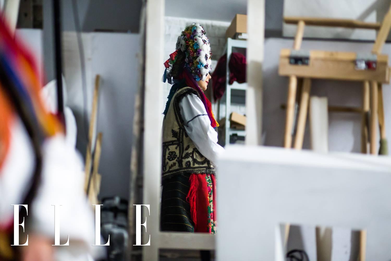 Тіна Кароль одягла старовинне українське весільне вбрання  - фото 1