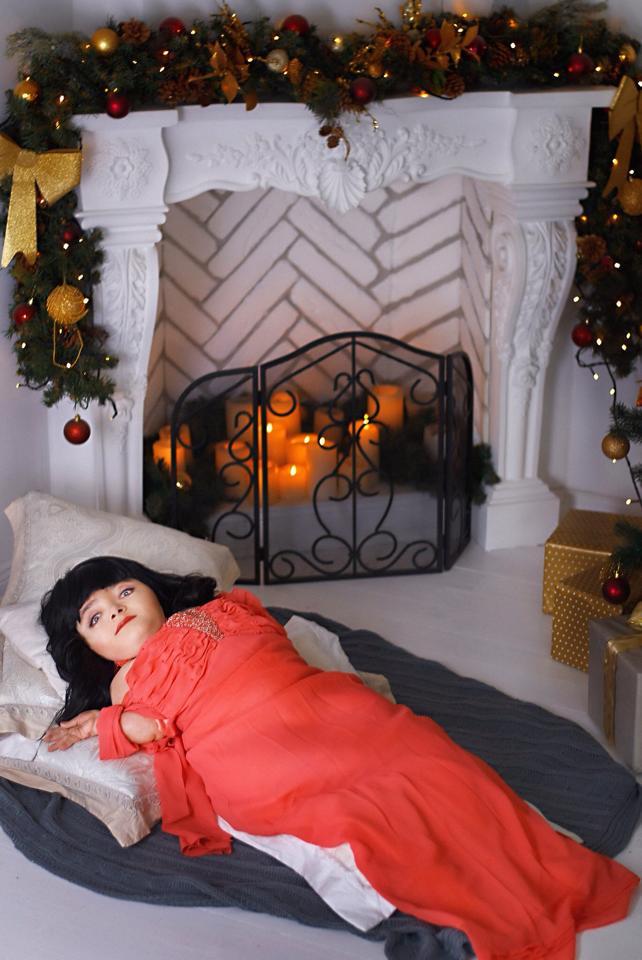 Козятинська Дюймовочка знялася у новорічній фотосесії - фото 1