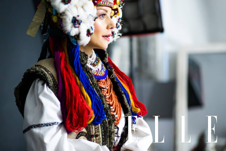 Тіна Кароль одягла старовинне українське весільне вбрання  - фото 2