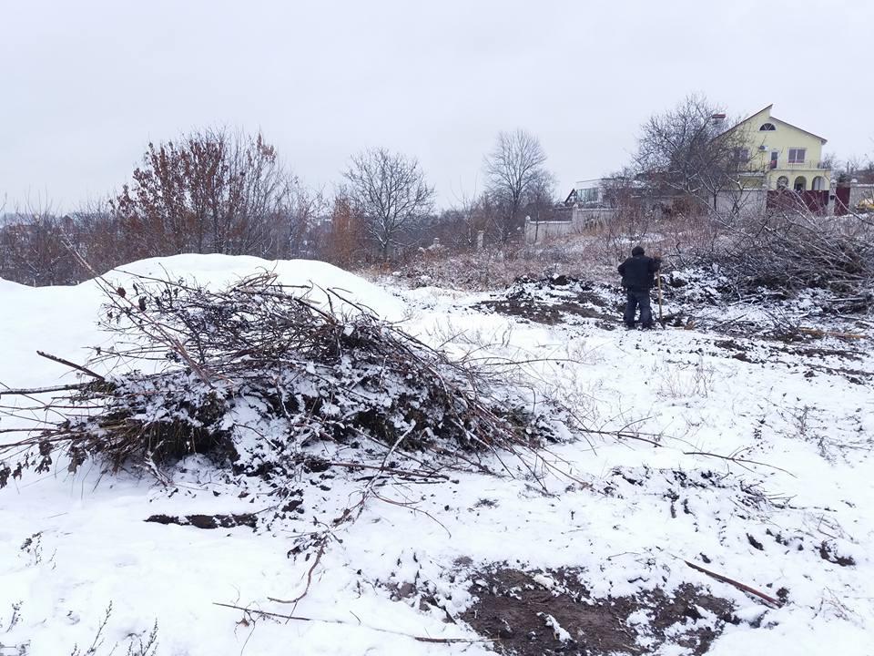 У Вінниці зібрали людські останки, які валялися просто неба - фото 2