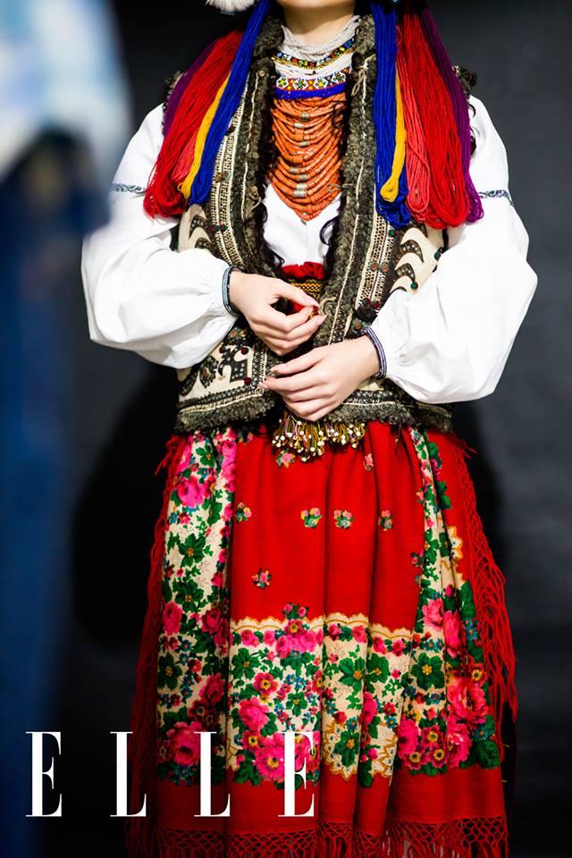 Тіна Кароль одягла старовинне українське весільне вбрання  - фото 3